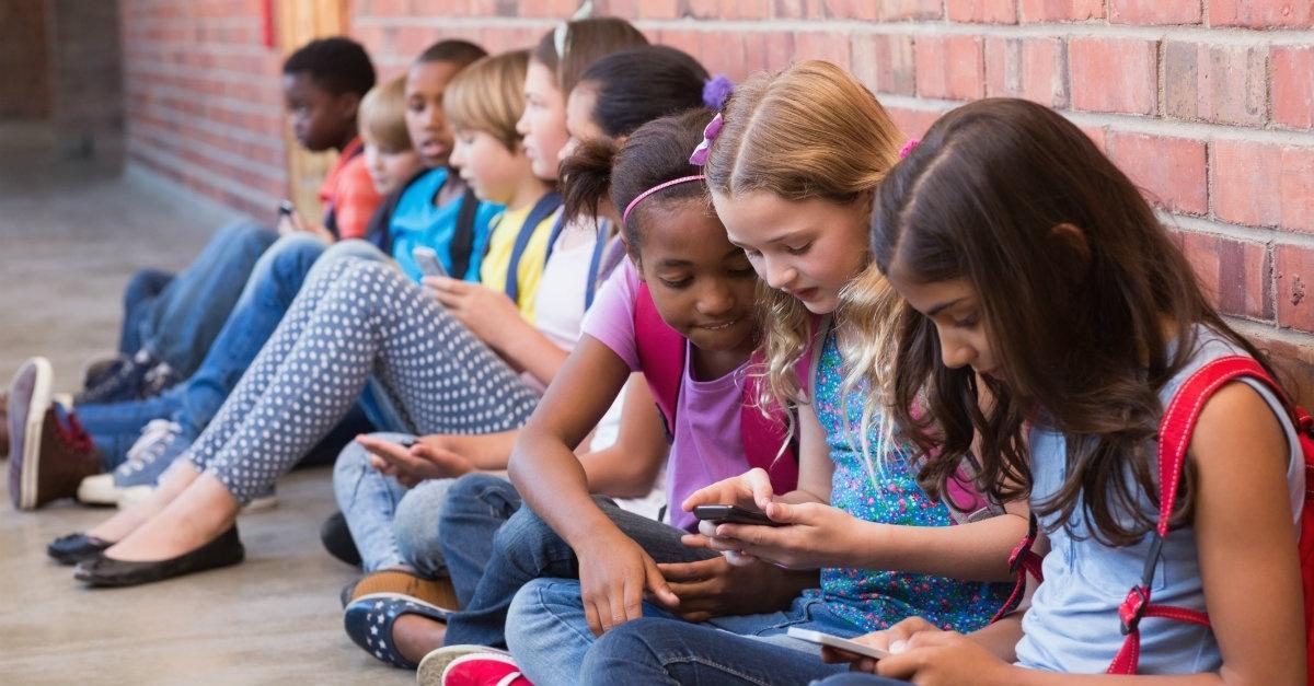 Smartwatch-for-kids-comparison-usafitnesstracker.com