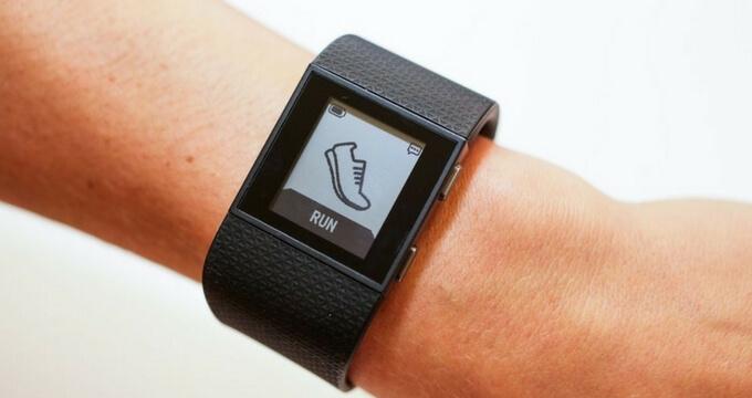 Fitbit-Surge-design-buy-usafitnesstracker.com