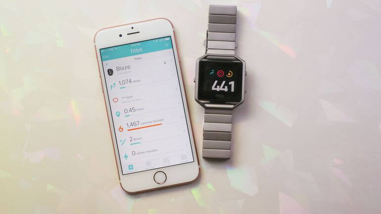 fitbit blaze watch review features-usafitnesstracker.com